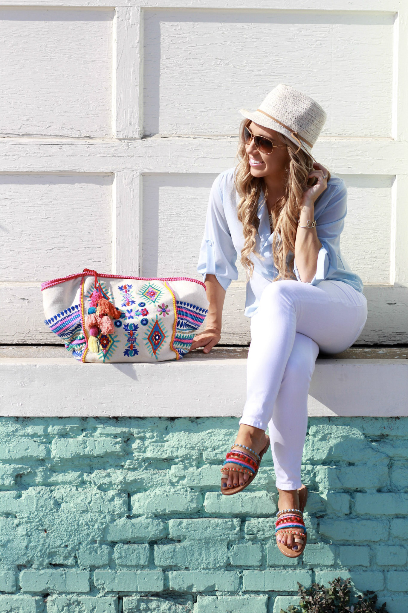 Perfect white skinny jean and pom pom sandal