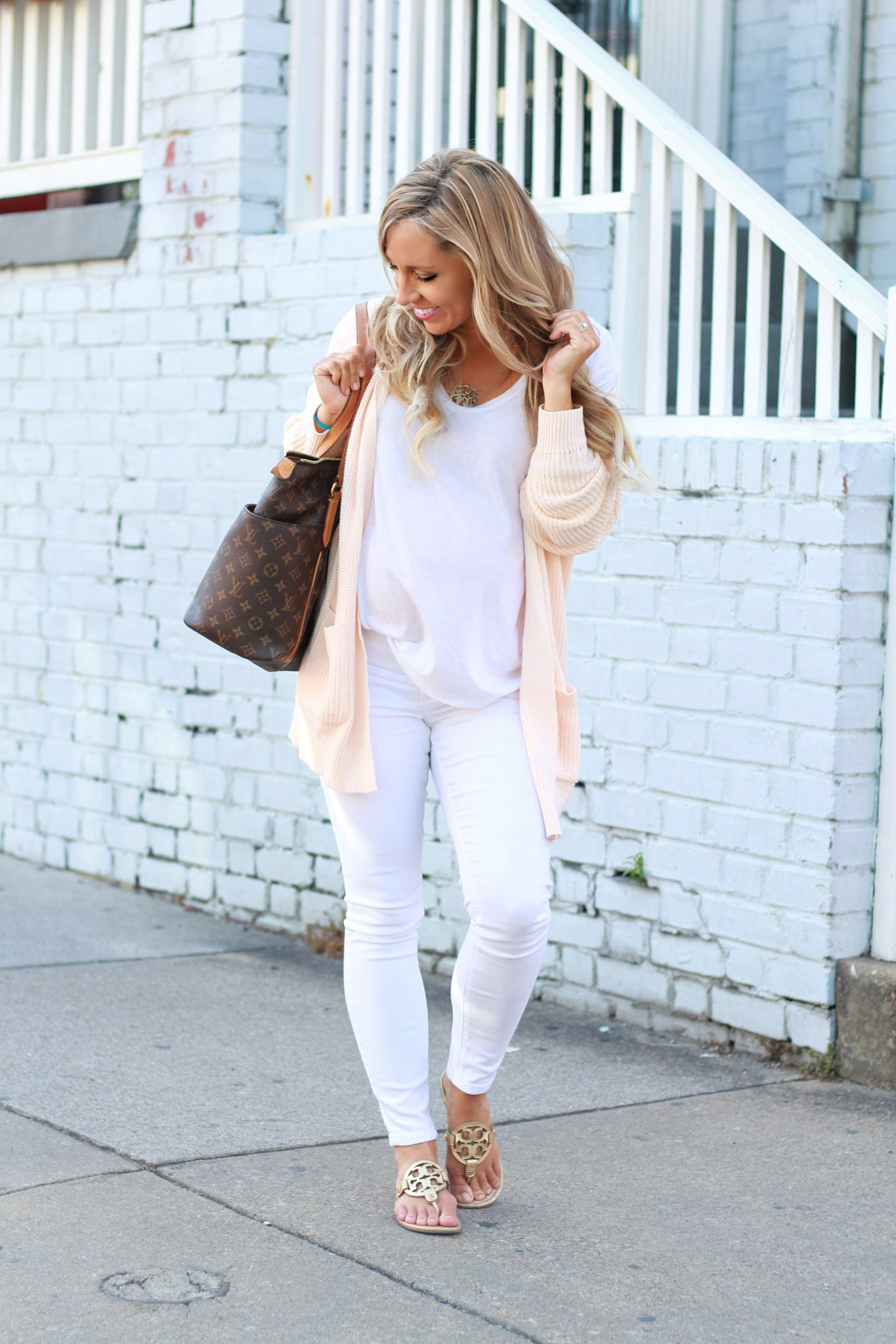 maternity style, all white outfit